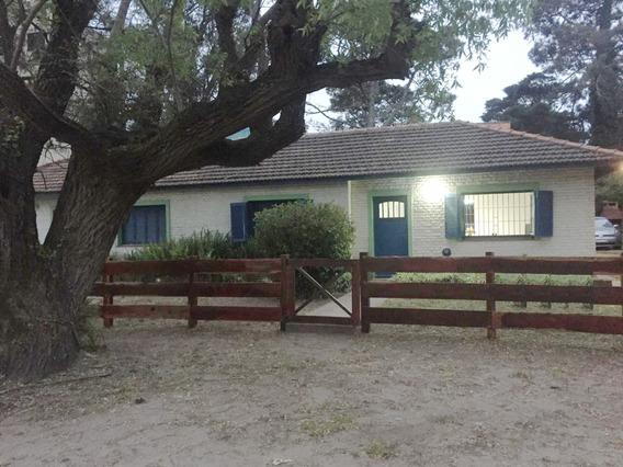 Casa En Alquiler Villa Gesell 2 Dorm. 2 Baños, Zona Norte
