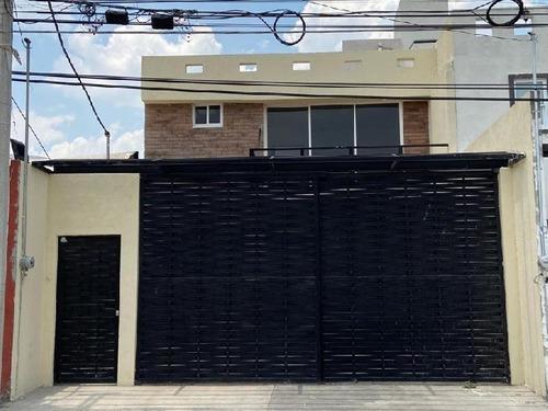 Casa Sola En Venta En Santa María, San Mateo Atenco, México