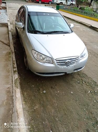 Vendo Auto Hyundai Elantra 2010