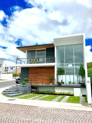 Casa En Lomas De Juriquilla, Moderna E Inteligente