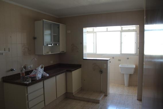 Apartamento De 3 Dormitórios, Banheiro Social, Sacada, 1 Vag