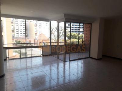 Apartamento En Arriendo Poblado 643-3394