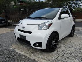 Toyota Scion 2012 $ 8500