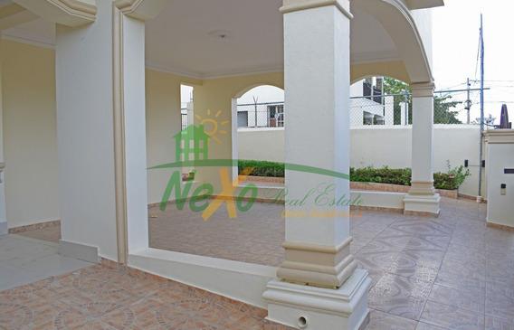 Casa De Oportunidad En La Urb Corona Plaza Santiago (eac-235