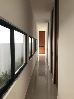 Casa Nueva De Una Planta En Venta, Fraccionamiento Viladiu, Cholul, Mérida Norte