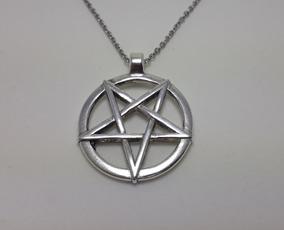Pentagrama Invertido Baphomet Wicca Metal Satanismo Colar