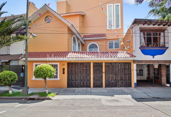 Casa Lorenzo Rodriguez
