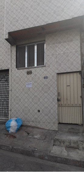 Casa 2 Quartos E 2 Banheiros