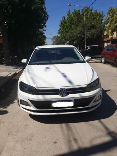Volkswagen Polo Comfortline Plus 1.6 At - 5 Puertas