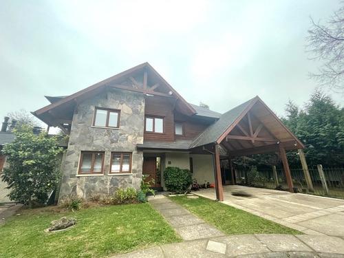 Imagen 1 de 23 de Impecable Casa En Condominio Casas De Fundo