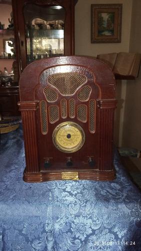 Radio Antiguo Marca Thomas