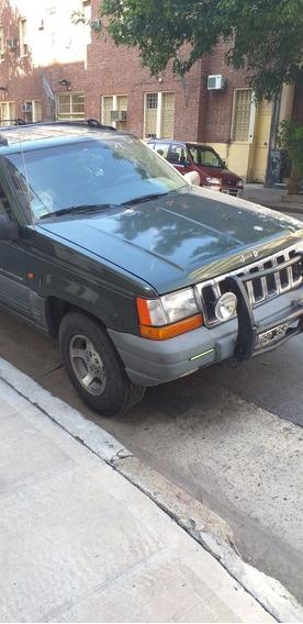 Chrysler Jeep Grand Cherokee Laredo
