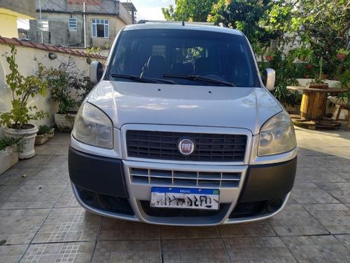 Imagem 1 de 10 de Fiat Doblô Ano 2012 Motor 1.8 Essence 7 Lugares Prata