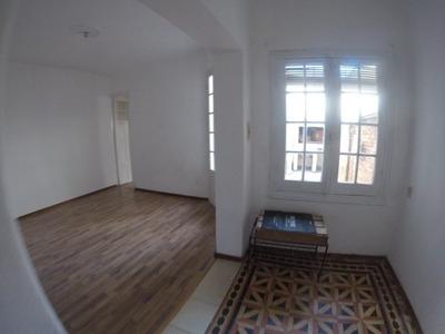 Apartamento 1 Dormitorio. Living Comedor Patio. Todo A Nuevo