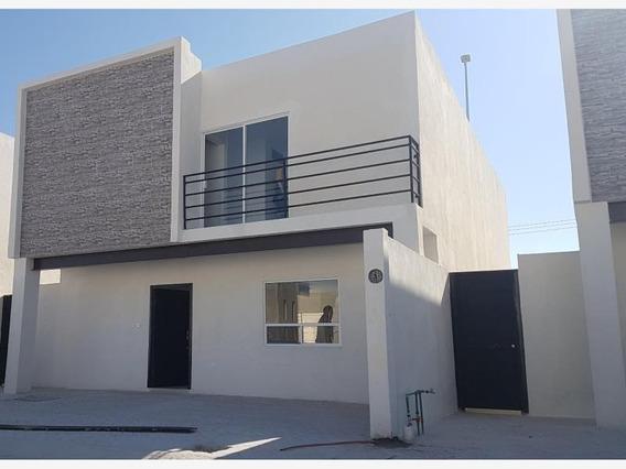 Casa En Venta En Fraccionamiento Cedros 2, Gomez Palacio