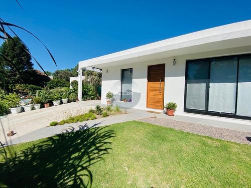 Casa A La Venta En Pinares - Ref: 5791