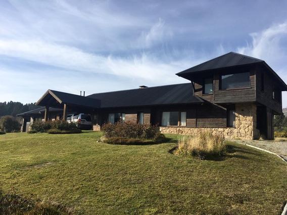 Casa Con Vista Al Golf En Arelauquen