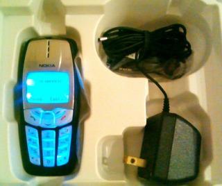 Telefono Celular Nokia 2220 Con Accesorios Para Repuestos.
