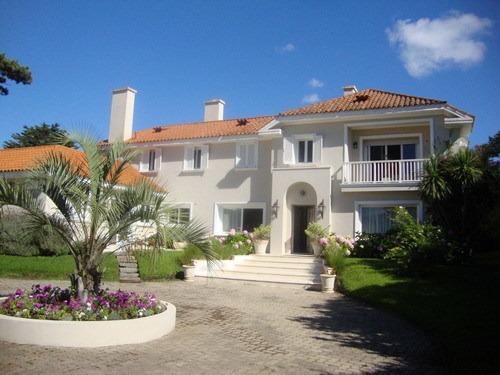 Venta Casa En Punta Del Este 5 Dormitorios En Suite
