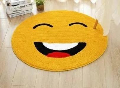 Tapete Redondo Antiderrapante Emoji Amarelo Casa Decoração