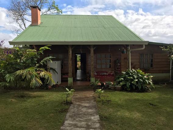 Cabaña Tipo Casa En San Rafael De Heredia, Servicios Incluid
