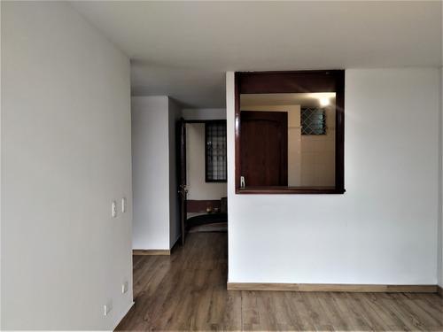 Imagen 1 de 14 de Amplio Aparto-estudio Con Terraza Cubierta De Uso Esclusivo