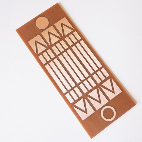 Imagem 1 de 2 de Placa Luxor Mini - Gráfico Em Cobre 3cm X 7,5cm