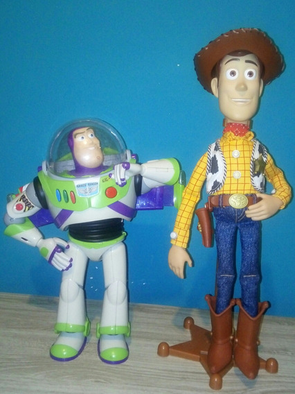 Toy Story Signature Collection Woody E Buzz Lightyear.