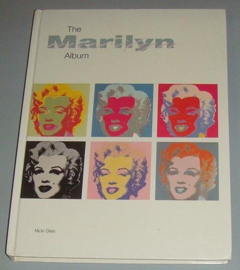 Livro The Marilyn Album ( Inglês )