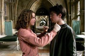 Kit Harry Potter Colar Vira-tempo E Livro Com Adesivos
