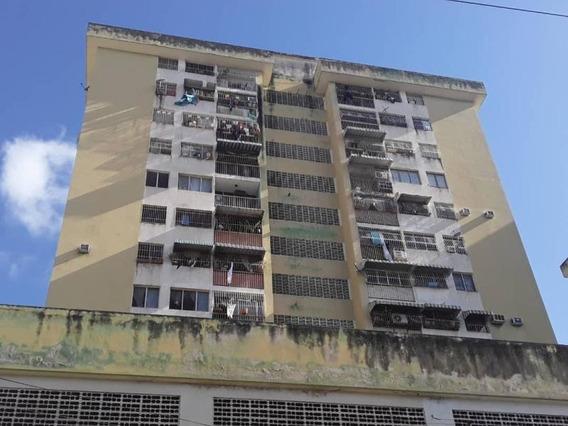 Apartamento En Venta Zona Centro 21-7234 Mepm 153