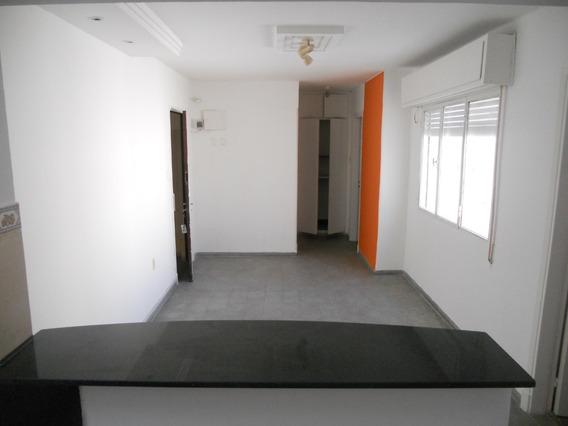Alquilo Apto 2 Dormitorios - Próximo A Br. Artigas Y Millán