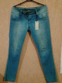 ab251afa0 Calça Jeans Clara Com Bordado De Paetes Nos Bolsos = Tam. 44