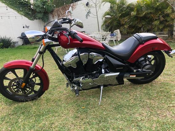 Moto Honda Fury 2015