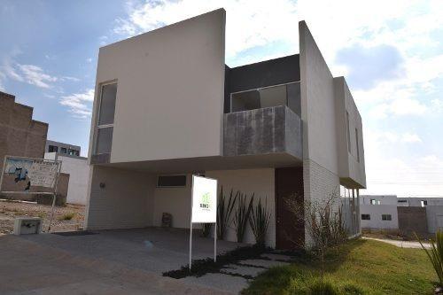 Casa Nueva En Esquina Con 9 M De Frente En Cápital Norte