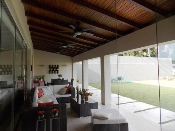 (885 M2) Casa De Revista En Guaparo, Vende Re/max