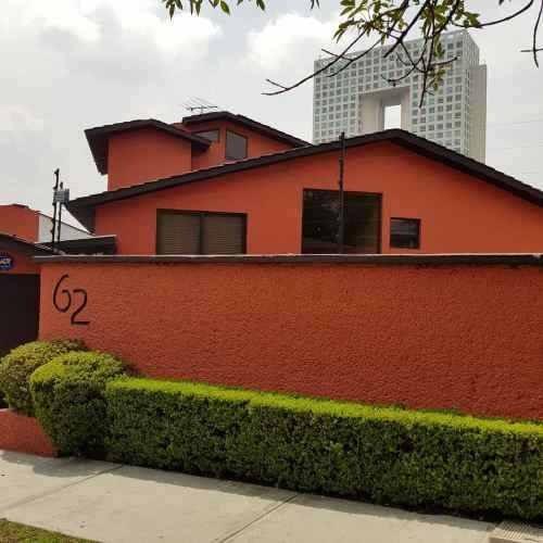 Excelente Casa En Paseo De Los Laureles 62