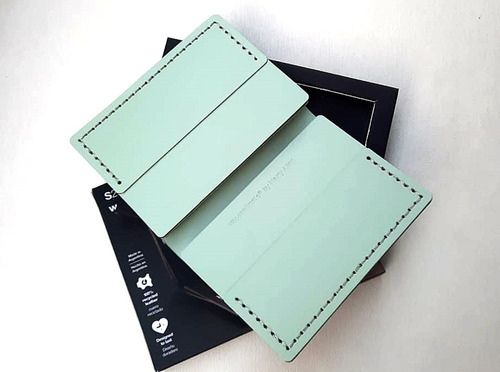 Billetera Porta Tarjetas En Cuero 100% Reciclado, Mint
