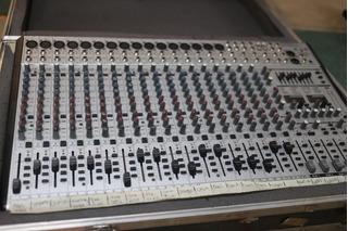 Mixer Mezcladora Behringer Eurodesk Sl2442fx Pro 24 Canales