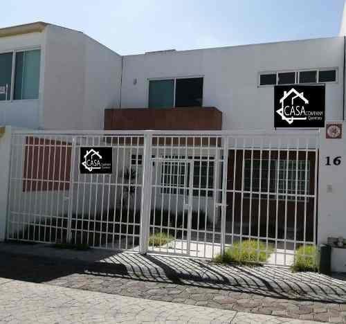 Preciosa Casa En Milenio Iii, 3 Recamaras, 2.5 Baños, Cochera 2 Autos, Bodega..