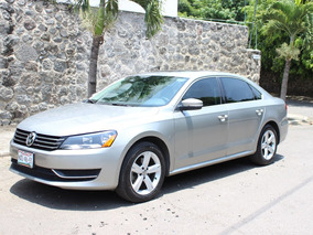 Volkswagen Passat 2.5 Highline L5 Nave At