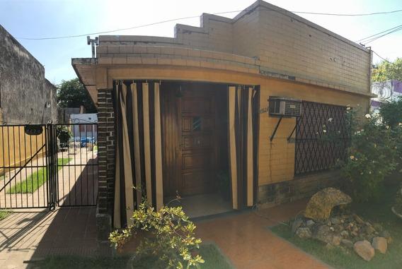 Venta De 2 Casas C/ Cochera A Metros Del Centro De José C. Paz