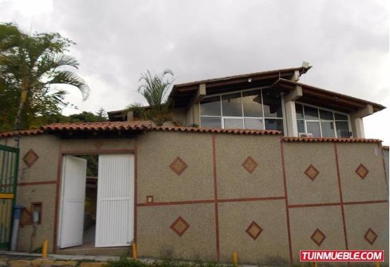Casas En Venta, Urb. Lomas De La Trinidad 19-13820