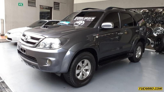 Toyota Fortuner Fortuner At 3.0 Dsl
