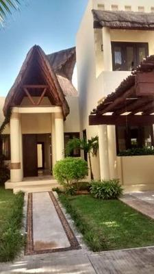Venta De Casa En Residencial Villa Magna, Cancún