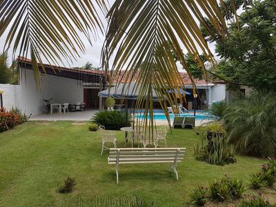 Casa Linear, 200m², 3 Suítes, Área De Lazer Com Piscina E Churrasqueira - 354