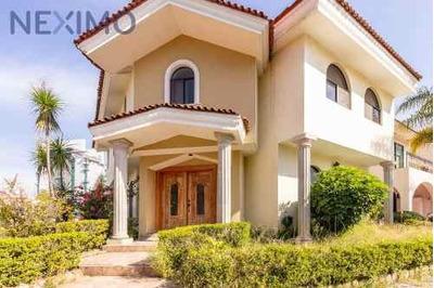 Casa A La Venta En Col. Parque Regency, Zapopan