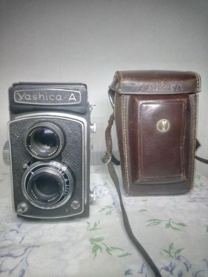 Máquina Fotográfica Yashica Mod. A.