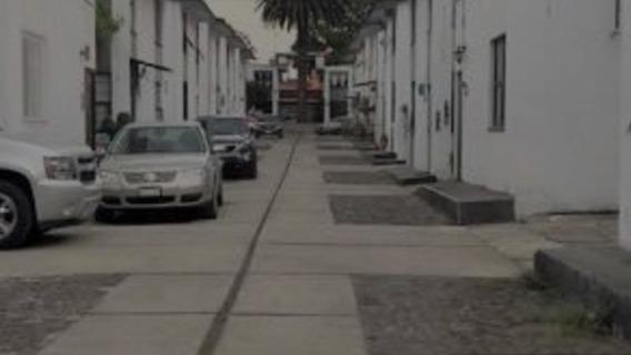 Casa Dúplex Planta Baja, Cómoda Y Segura, Un Estacionamiento