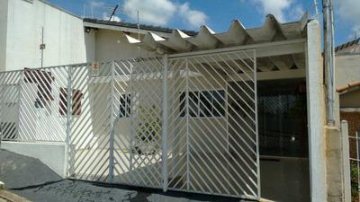 Casa 3 Quartos, 3 Banheiros, 2 Garagens, Ótima Localização
